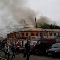 Во время пожара на Ленинском рынке Омска 80-летний мужчина получил ожоги