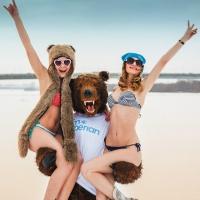 Омички устроили фотосессию в купальниках на заснеженных пляжах