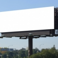 Авторы антитабачной рекламы объяснили, почему убрали плакаты с крючками во рту