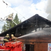 В Омске ликвидировали масштабный пожар на складе игрушек