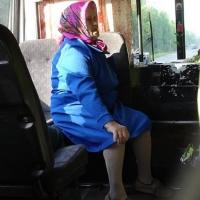 В день Победы в автобусе пострадала 79-летняя омичка