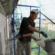 """При ремонте дома в Нефтяниках украли 4,5 миллиона """"вследствие непреодолимой силы"""""""