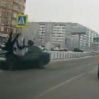 В Омске 27-летний парень на «Мерседесе» сбил двух человек на зебре