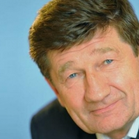 Омск тратит на мэра больше, чем любой город Сибири