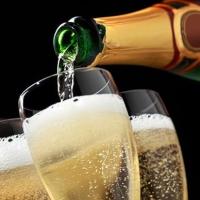 Минимальную стоимость шампанского установят до Нового года