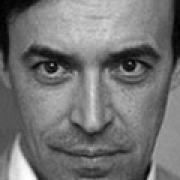 Питерский режиссёр хотел купить Северный драмтеатр