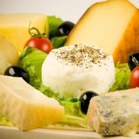 Из-за отсутствия денег омичи отказались от сыра и колбасы