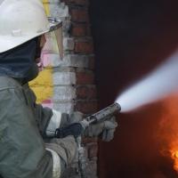 В Омске из горящей девятиэтажки эвакуировали 26 человек