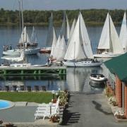 Рядом с парком будет  гостиница и яхт-клуб