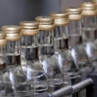 У омского бизнесмена изъяли 140 тысяч бутылок поддельного алкоголя