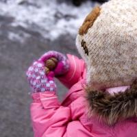В Омской области по недосмотру двухлетняя девочка получила сильное обморожение