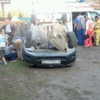 На окраине Омска перевернулся автомобиль под управлением пьяного таксиста