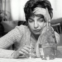 Более ста жителей Омской области пожалели о том, что выпили в воскресенье