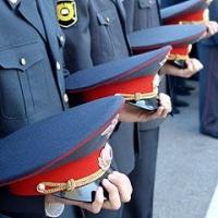 Омского полицейского уволили за продажу формы