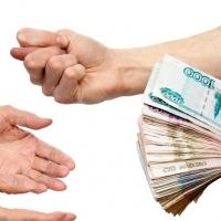 Житель Омска должен 700 тысяч рублей пяти дочерям