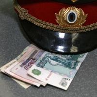 В Омске осудят водителя за попытку дачи взятки полицейскому