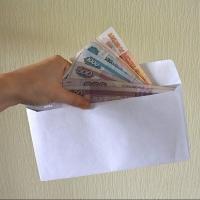 В Омской области продолжают борьбу с зарплатой в конвертах