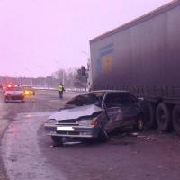 На трассе Тюмень – Омск за час произошло две крупные аварии