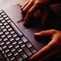 В Омске еще одного интернет-экстремиста наказали обязательными работами