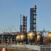 Шестеро рабочих омского нефтезавода упали с 26-метровой высоты