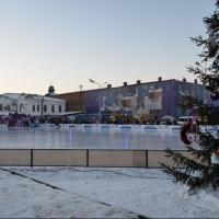 На площади Бударина в Омске продают землю