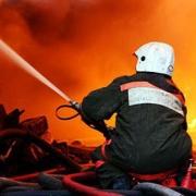 Пожаров в частном секторе меньше не становится
