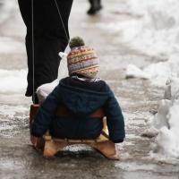 В Омске иномарка сбила ребенка на санках
