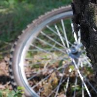 В омском дворе сбили 8-летнего велосипедиста