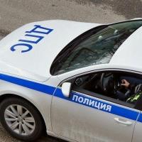 Скрываясь от полицейских, нетрезвый омич на иномарке врезался в машину ДПС