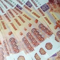 Два чиновника из мэрии Омска получат в качестве премий по двойному окладу