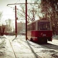 В Омске трамвайные пути чистят от снега каждую ночь