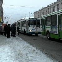 Омские власти хотят вынудить пассажиров отказаться от платы за проезд наличными