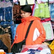 На омских рынках повсеместно нарушается миграционное законодательство