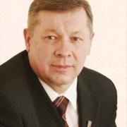 """Омский депутат от КПРФ обнаружил за собой """"хвост"""""""
