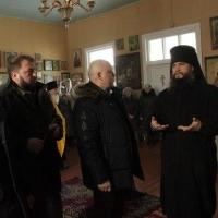 Во время визита в Колосовский район Виктору Назарову рассказали «радиоактивную» легенду