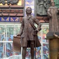 Мнение омичей учтут при выборе места для памятника Петру Первому