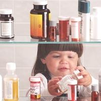 В Омской области малыш отравился таблетками матери