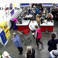 В Омской области женщина за 2 минуты родила мальчика в магазине