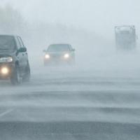 При ухудшении погоды в Омской области ГИБДД ограничит движение автотранспорта