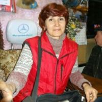 Омского кондуктора заставили убрать из автобуса цветочки и рамочки для объявлений
