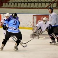 В 2017 году команда омских СМИ взяла реванш у Правительства в игре в хоккей