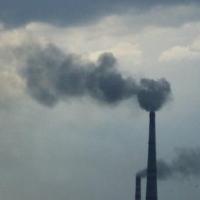 Омский воздух 10 дней загрязнял маленький завод