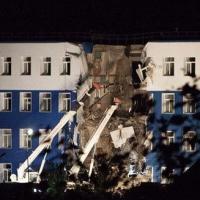 Число погибших при обрушении казармы в Омске достигло 20