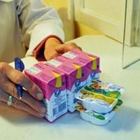 В Омской области почти 7 тысяч малышей получают ежемесячное льготное питание