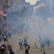 На марафоне в американском Бостоне прогремело два взрыва