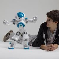 Роботы из омского университета показали себя в Москве