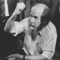 Омский коммунист заявил, что Солженицыну не место в школьной программе