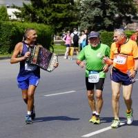 На марафонскую дистанцию в Омске ищут пейсмейкеров