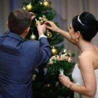 В канун Нового года в Омске сыграли свадьбу 11 пар