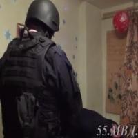 Наркомана, взявшего в заложники годовалого омича, будут судить по двум статьям